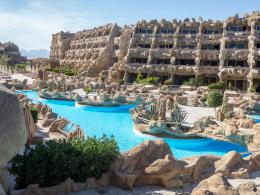 Hotel: CAVES
